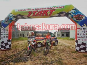 balon gate motorcross