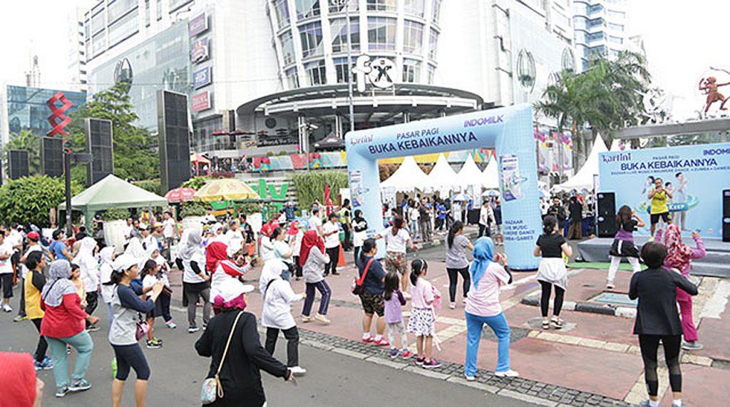 Buka-Kebaikan-di-Pasar-Pagi-Kartini-dan-Indomilk