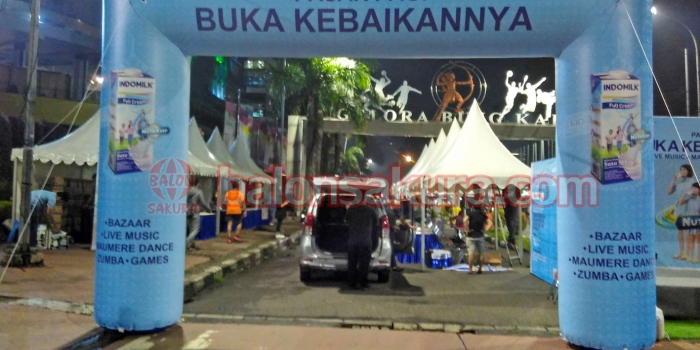 Balon Gate Pasar Pagi Majalah Kartini & Indomilk Di GBK Senayan