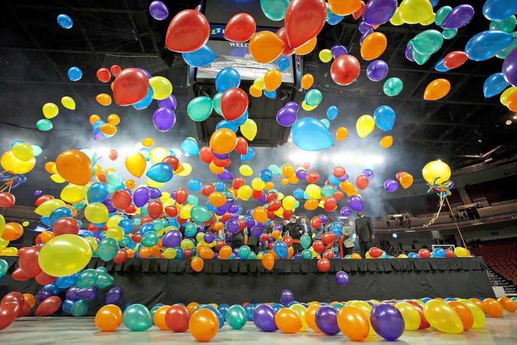 balon drop panggung